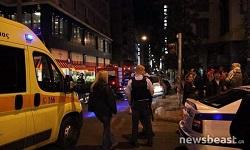 Στο νοσοκομείο δύο αστυνομικοί μετά την επίθεση στο Α.Τ. Ομονοίας (φωτο)
