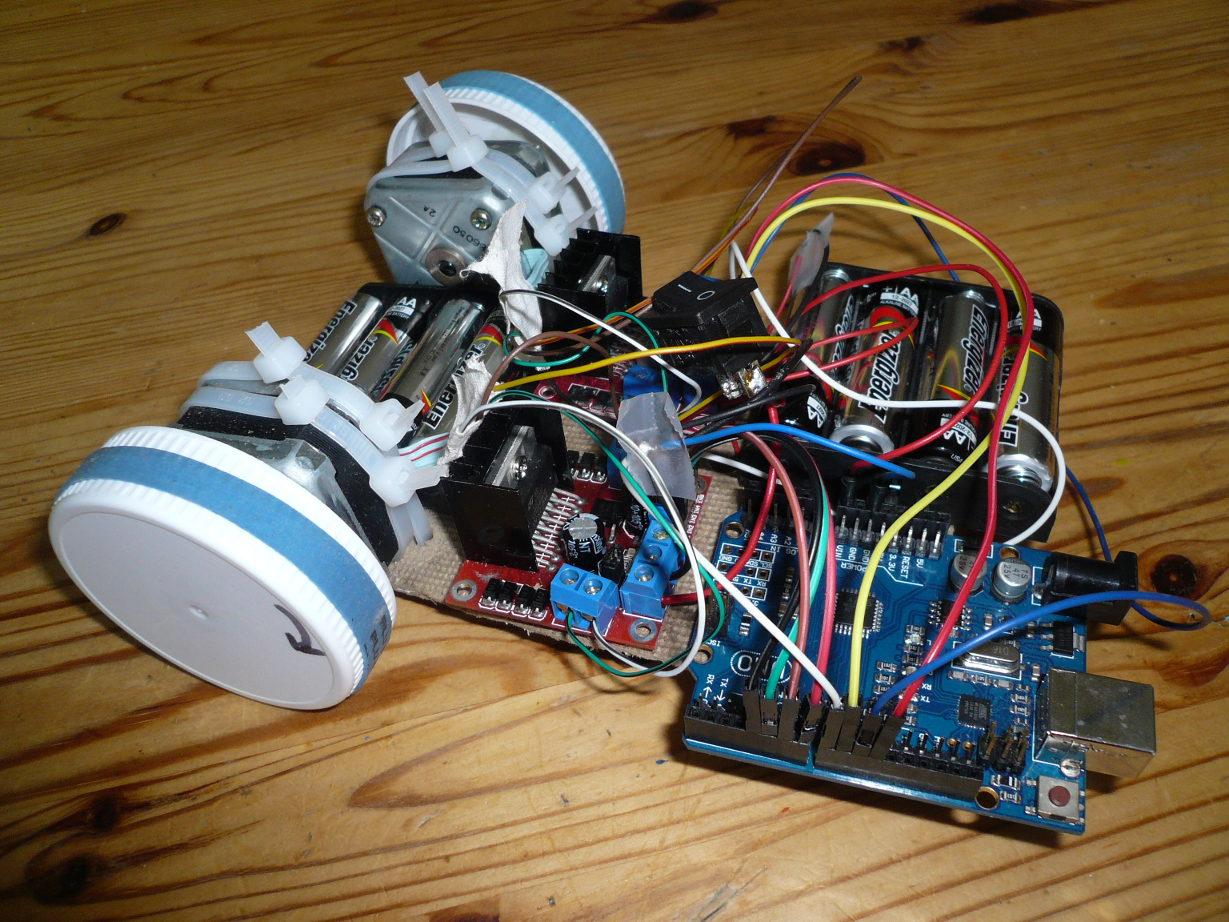 lectronique en amateur robot base de moteurs pas pas arduino. Black Bedroom Furniture Sets. Home Design Ideas