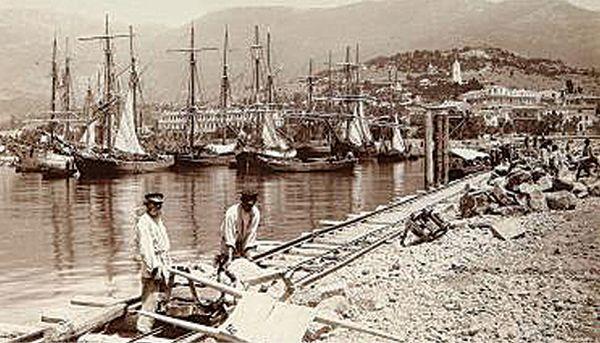 Строительство мола в Ялте. 1890 г.
