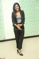 Actress Eesha Looks gorgeous in Blazer and T Shirt at Ami Tumi success meet ~  Exclusive 088.JPG