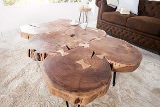 Luxusní stolek z masívu.