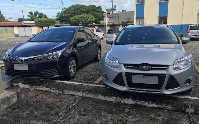 Ford Focus x Toyota Corolla