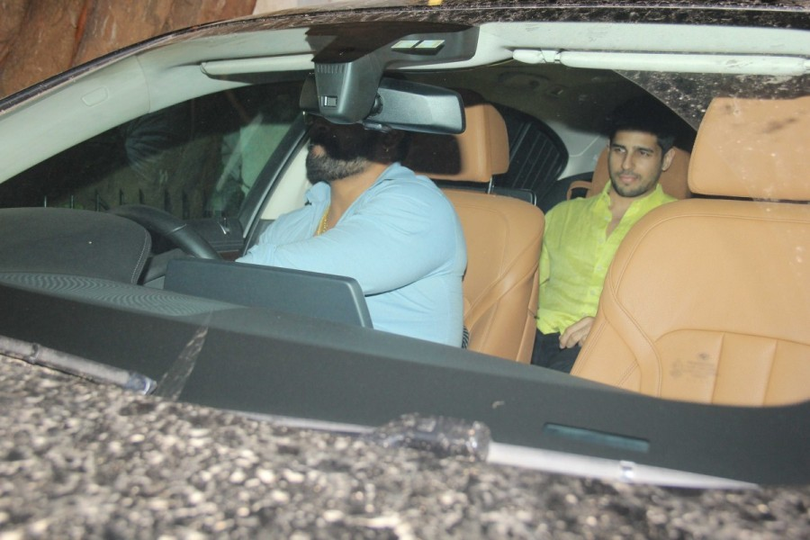 Alia Bhatt and Sidharth Malhotra Spotted at Imran Khan House