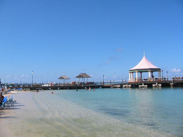 Jamaika - Baden im Meer