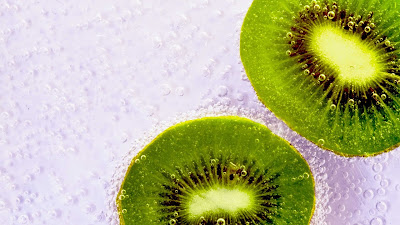 wallpaper gambar buah kiwi