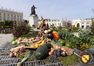 http://patrimoine-de-lorraine.blogspot.fr/2013/10/nancy-54-place-stanislas-photos-du.html