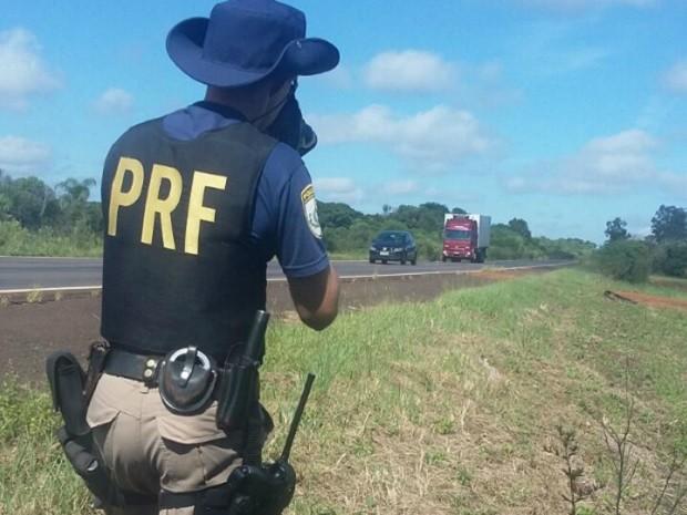 Em 24 horas, PRF aplica 920 multas nas rodovias durante carnaval no CE