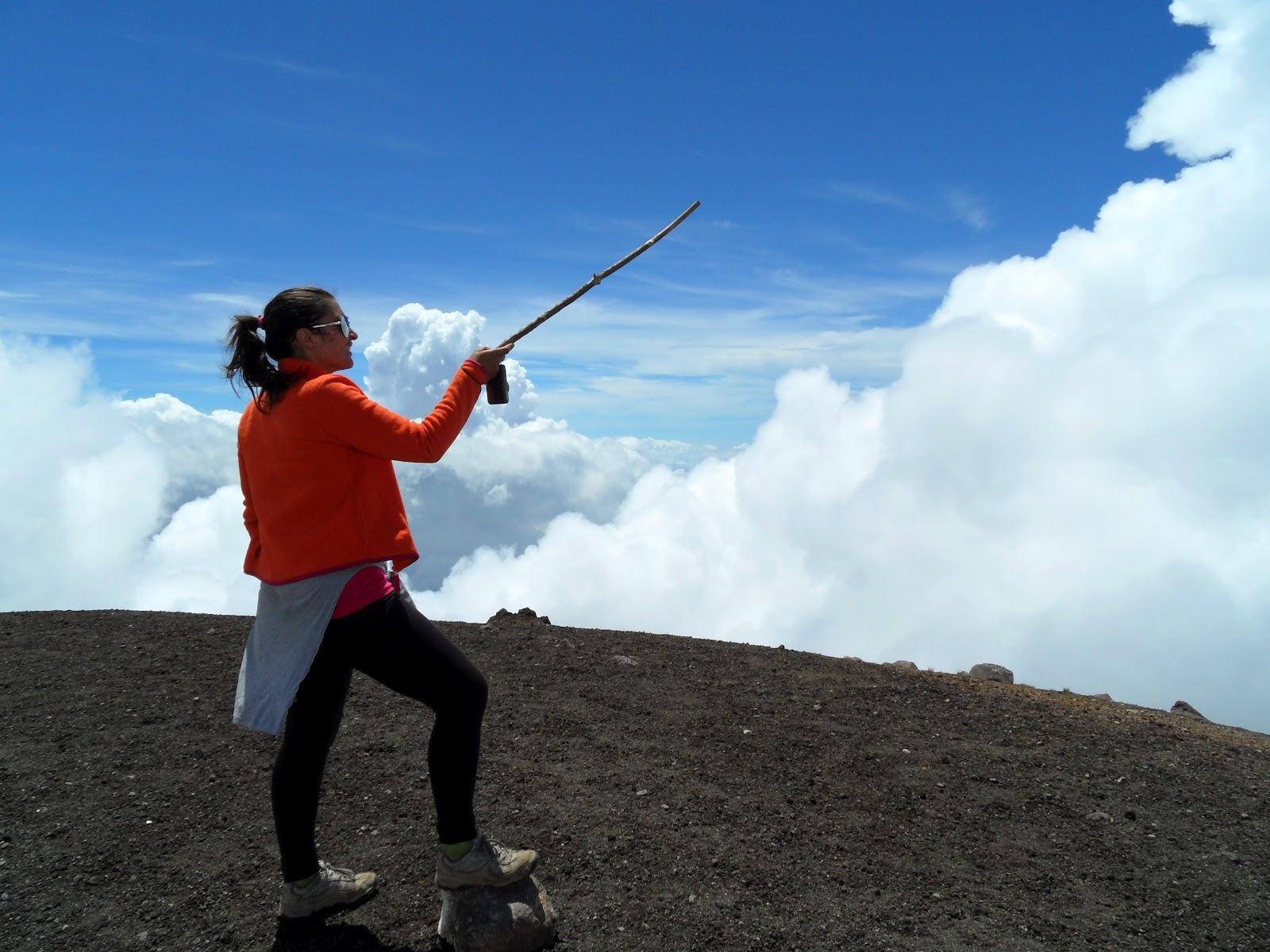 Subir o VULCÃO ACATENANGO (3975 m) e contemplar o esplendor de um país   Guatemala
