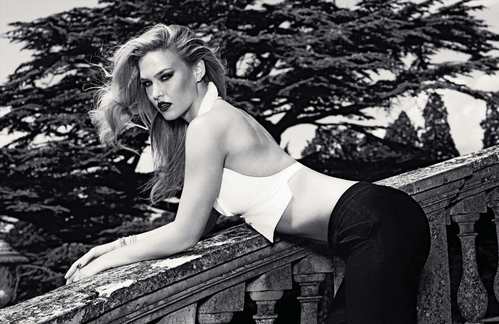 Fashion And The City: Bar Refaeli Glams Up GQ Germany June
