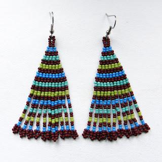 купить длинные серьги из бисера в этническом стиле яркой расцветки в полоску
