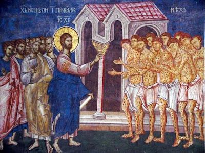 Resultado de imagen de Yendo Jesús camino de Jerusalén, pasaba entre Samaria y Galilea. Cuando iba a entrar en una ciudad, vinieron a su encuentro diez hombres leprosos, que se pararon a lo lejos y a gritos le decían: --«Jesús, maestro, ten compasión de nosotros». Al verlos, les dijo: