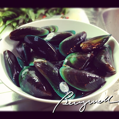 Cooking Steamed Mussels