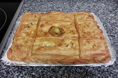 Empanada de atun con masa de pan