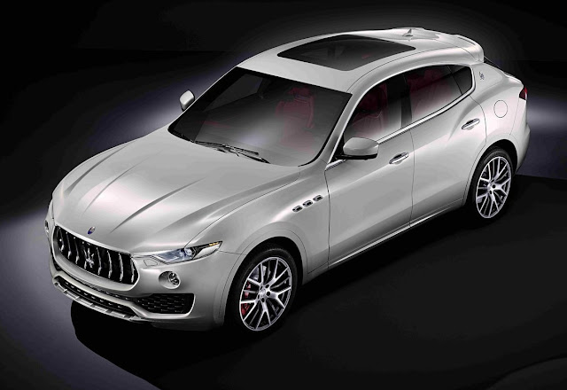 Maserati Levante S with sunroof