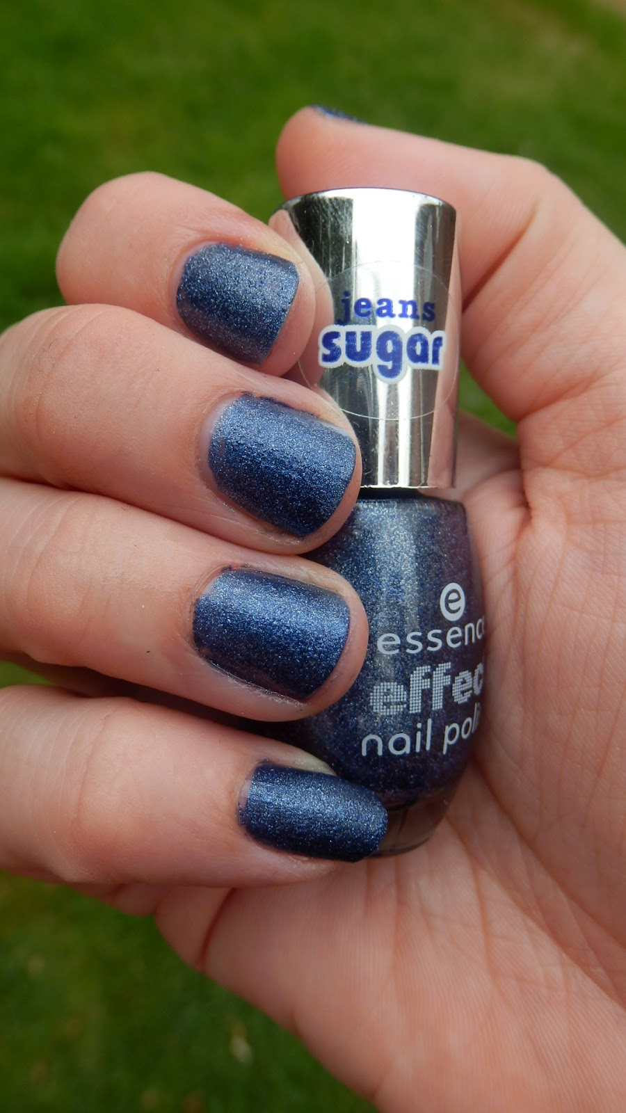 Essence Makeup Haul Essence Nail Polish 07 blue-jeaned