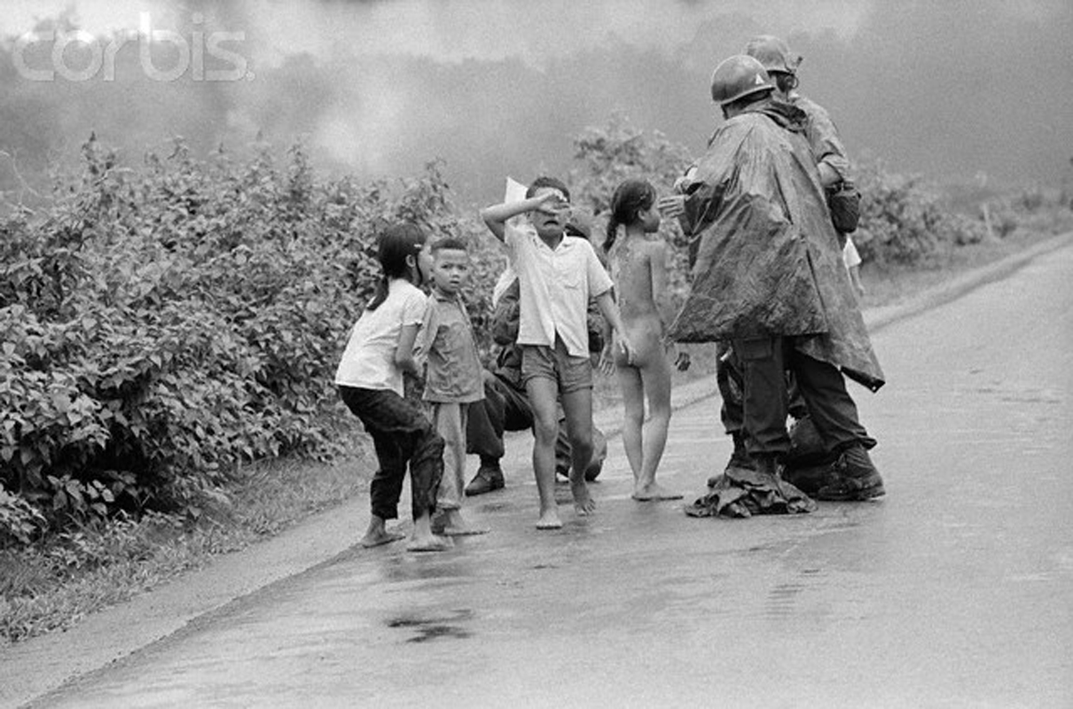 'Napalm girl' Phan Thị Kim Phúc after douse in water