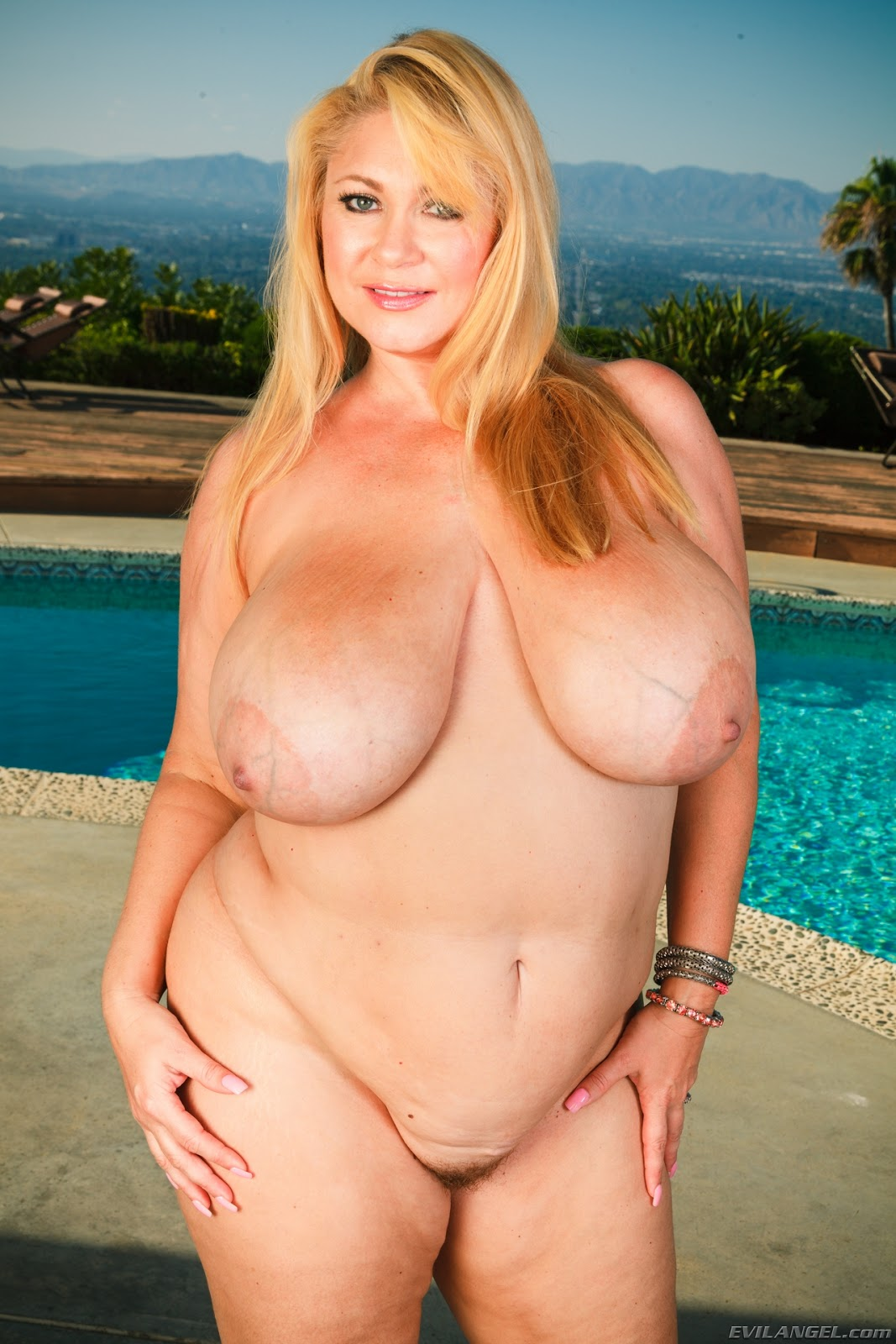 Samantha anderson nude