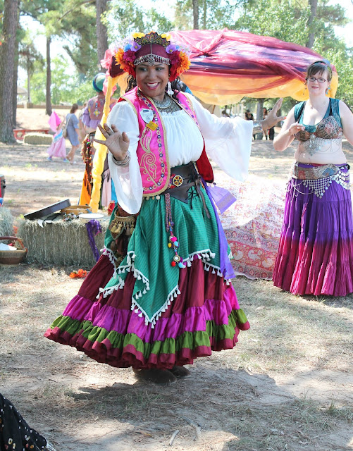Daniella Noir the Gypsy Queen, Renaissance Faire Gypsy