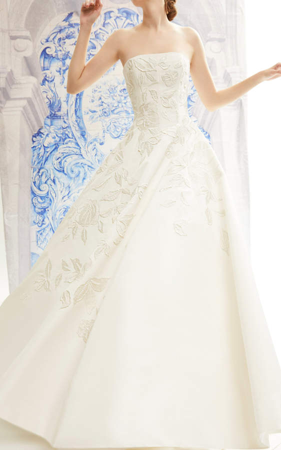 Carolina Herrera Ivette Strapless Silk Ballgown With Degrade Floral Embroidery