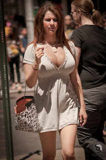 mujeres escotes grandes