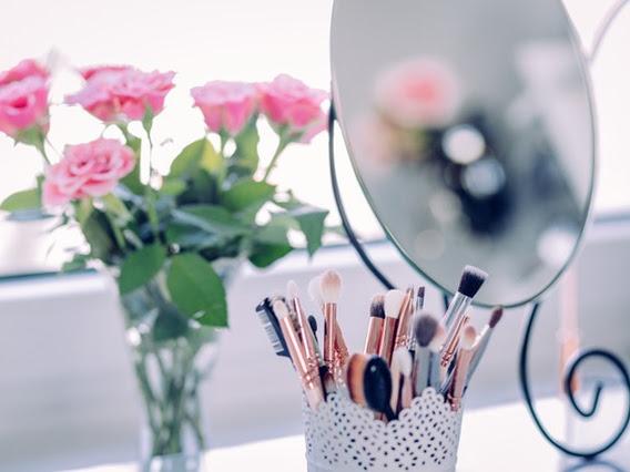 6 Jenis Alat Makeup Murah Ini Wajib Dimiliki Kaum Hawa