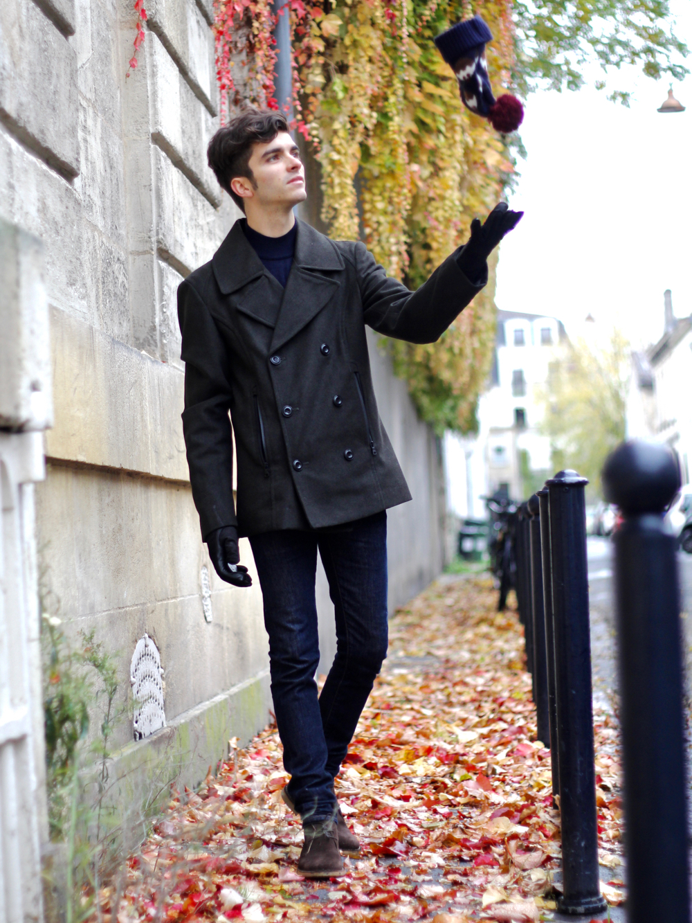 BLOG-MODE-HOMME-marks-spencer-shopping-links-col-roulé-tenue-hiver-bonnet-pompon-caban-vert-chukka-boots