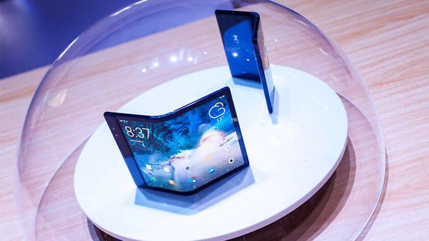 pantalla delantera y trasera flexible de Flexpai