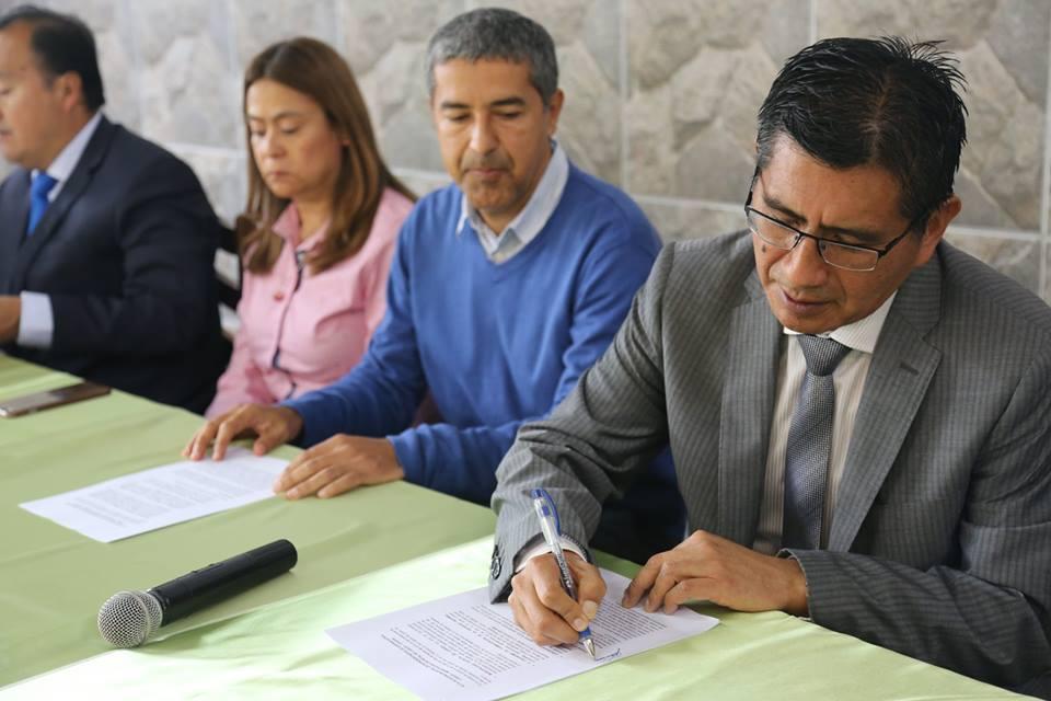 Firma Convenio Tripatito de Saneamiento Físico Legal
