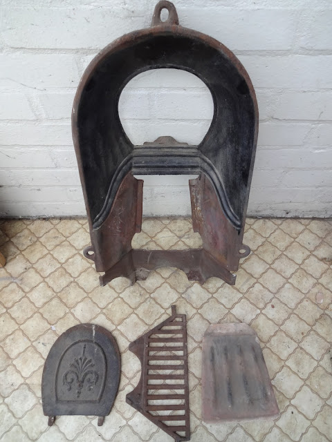 Victorian Fireplace Insert with Soot Hatch and Grill
