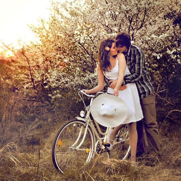 Hoa cỏ và tình yêu