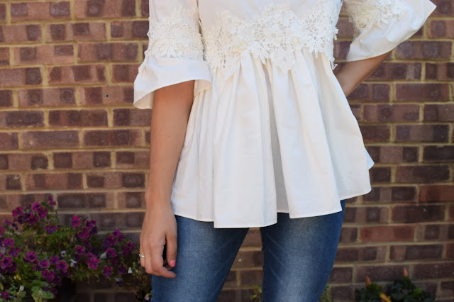 What Cat Says - What Cat Wore | Lace & Denim - Top Details