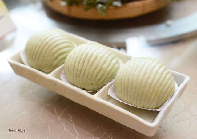 Matcha Buns with Pumpkin Paste