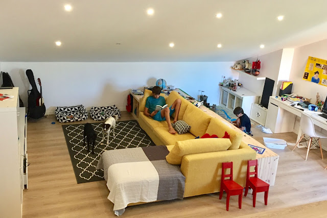coas de casa MTS buhardilla family room