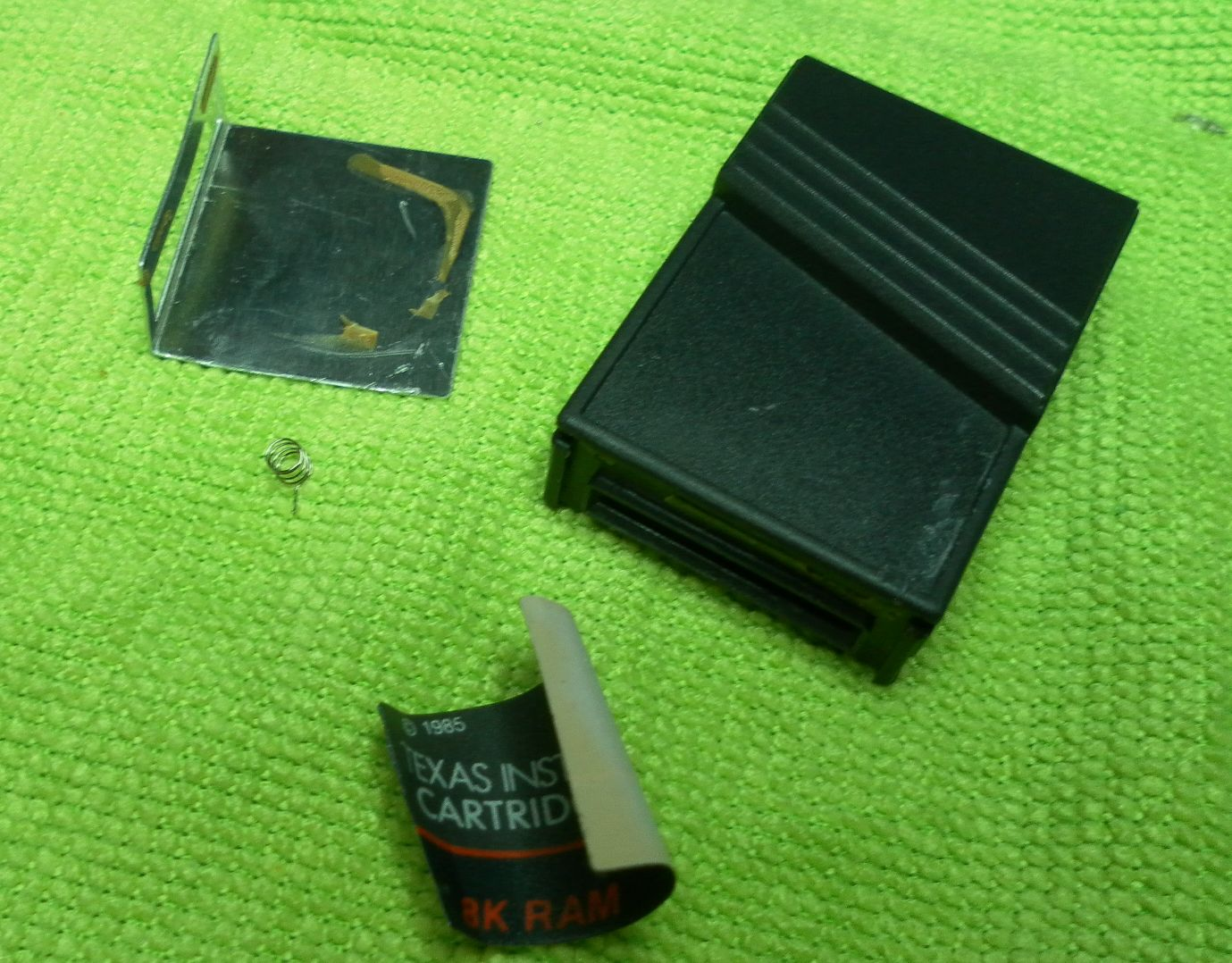 [Image: cartridge_8KB_SRAM_011.jpg]