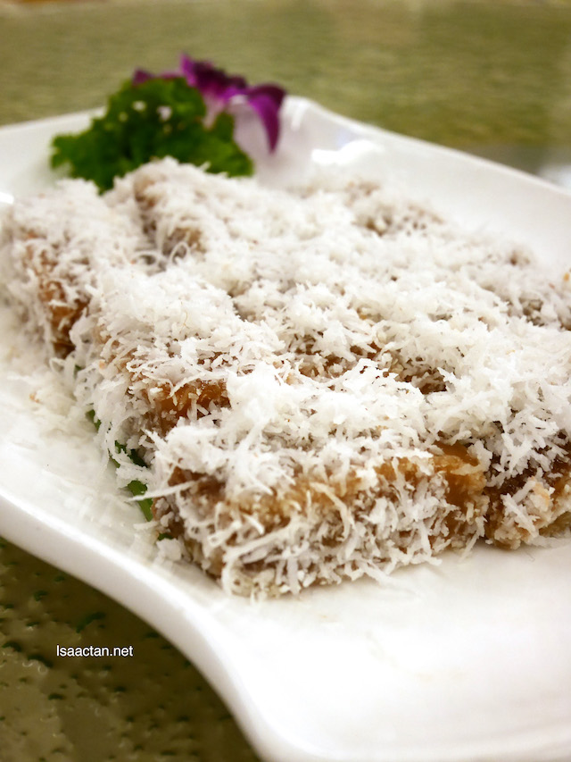 Steamed CNY Cake with Shredded Coconut - RM31.80+