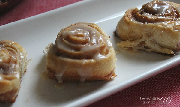 cinnamon rolls just right for a tiny treat