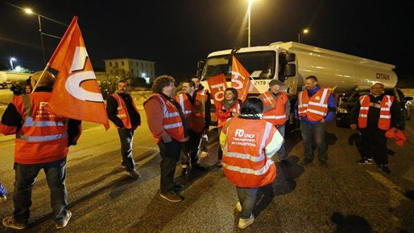 Inicia paro de transportistas contra reforma laboral en Francia