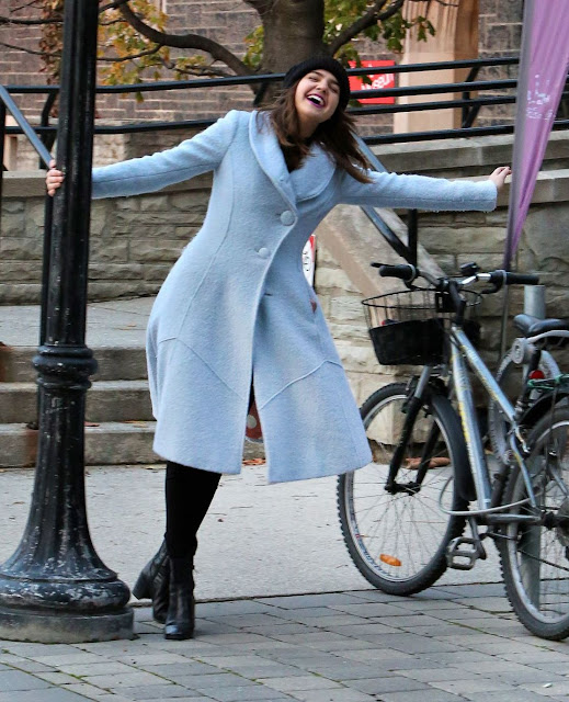 Bailee Madison – Checking Out the Art Museum at the University of Toronto