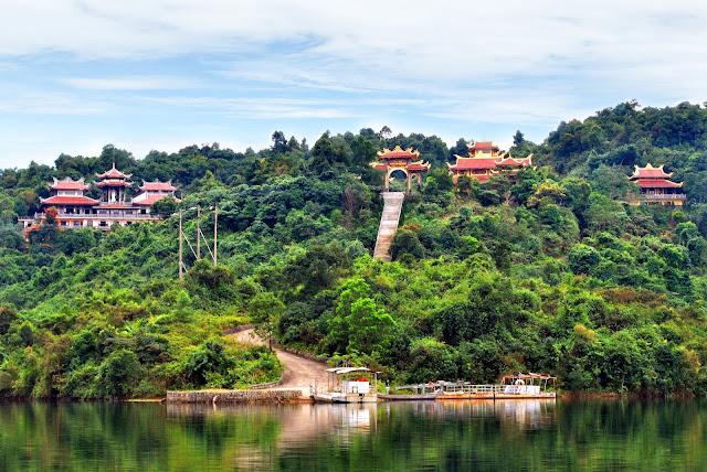 Truc Lam Zen Monastery in Da Lat