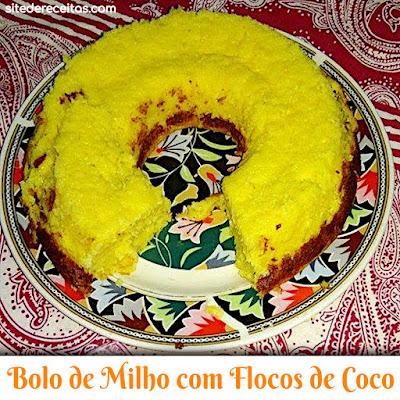 Bolo de milho com flocos de coco