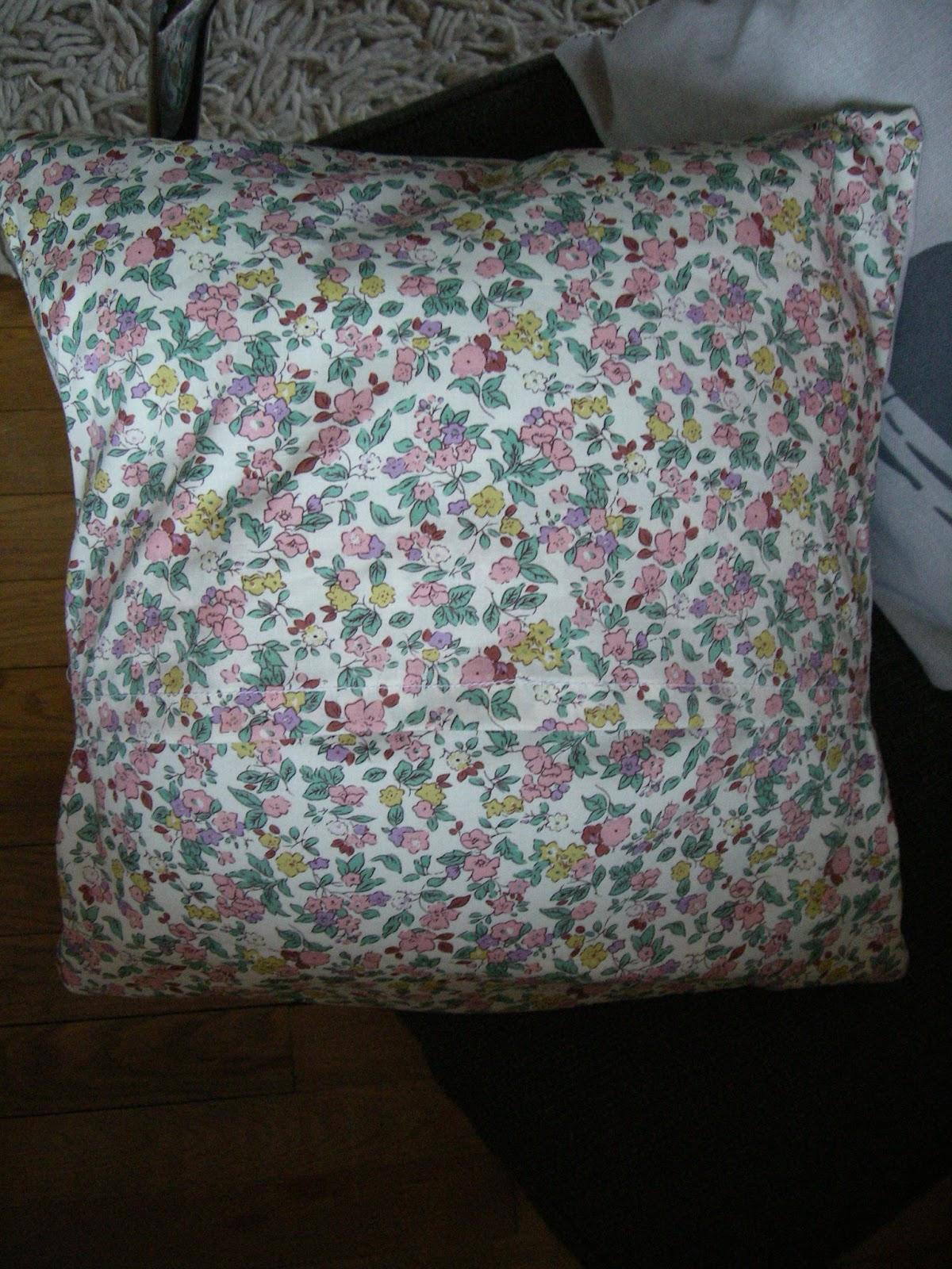le petit monde de capucine la vie en rose fluo. Black Bedroom Furniture Sets. Home Design Ideas