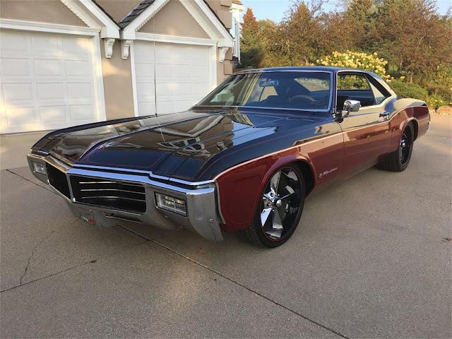 Buick Riviera 1960s American classic car