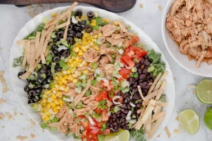 CHICKEN TACO SALAD WITH SALSA RANCH DRESSING