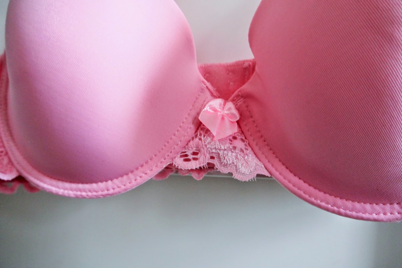 8af66e1088 You guys know how I feel about pockets- put them in my bra and I m in love.