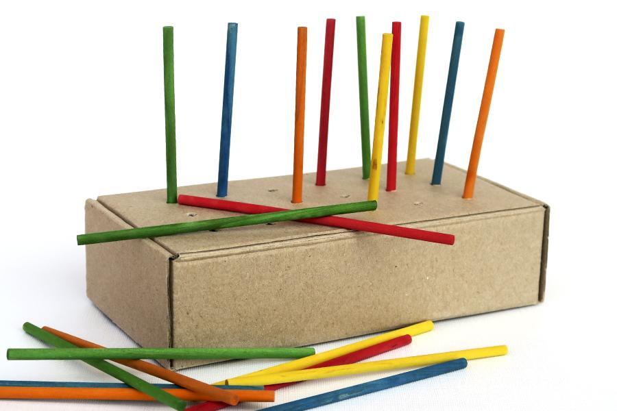 DIY juguete casero madera psicomotricidad fina wooden toy fine motor skill