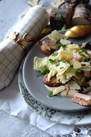 Ravioles truffe, cèpes, sauce foie gras