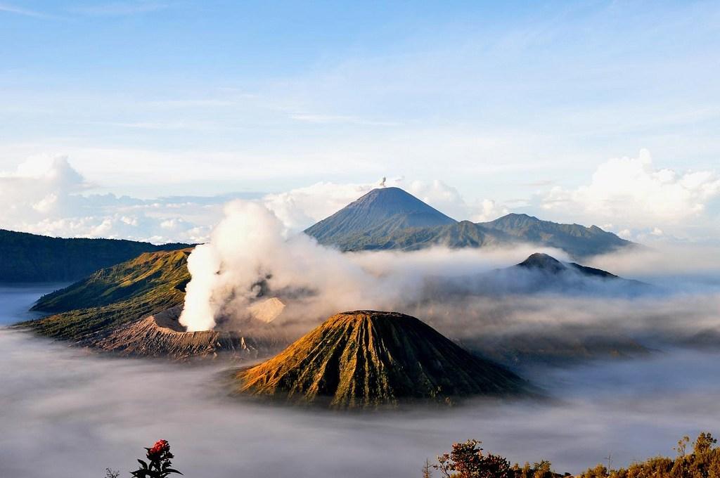 Review Wisata Gunung Bromo Yang Berlokasi Di Antara 4