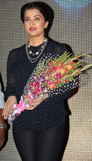 Aishwarya Rai Holding Bukke