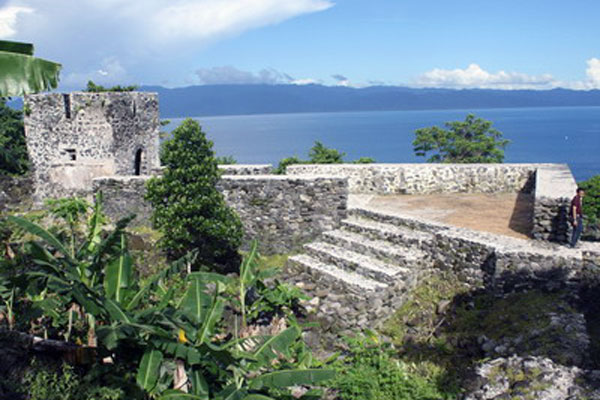 Benteng peninggalan Portugis dan Spanyol