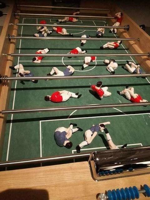 Partido de futbolín realista